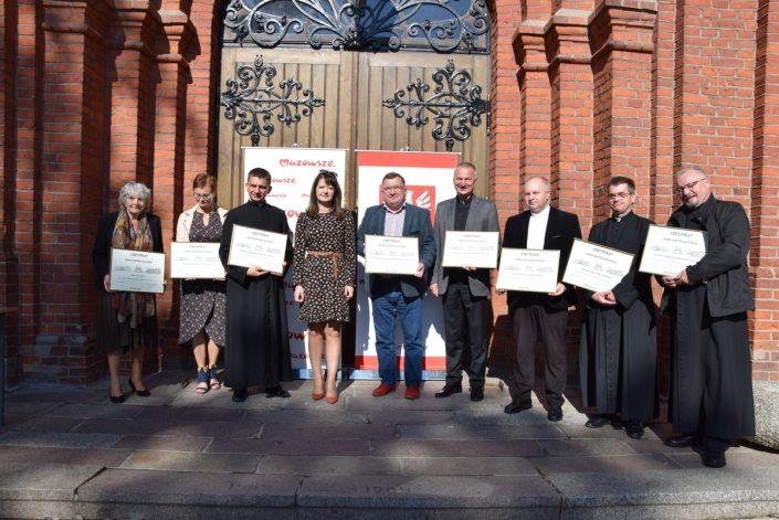 Wręczenie certyfiktów Cenny zabytek Mazowsza_Zembrów_28.09.2020